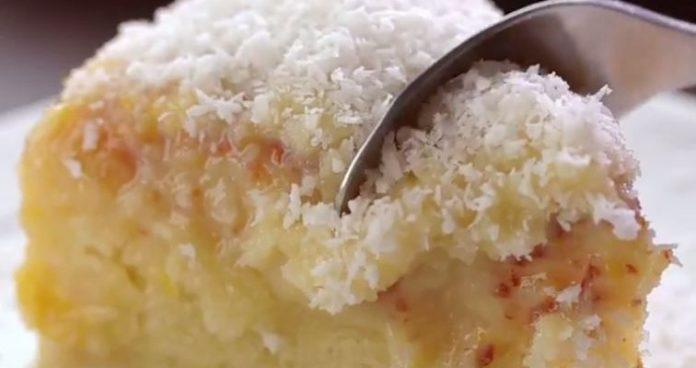 Bolo de coco gelado delicioso