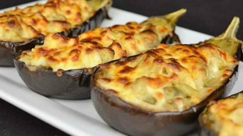 Berinjela recheada com frango e queijo –você nunca viu nada igual a essa delícia