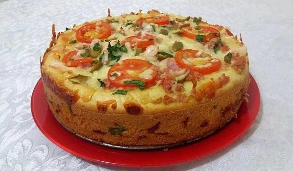Torta de liquidificador de queijo e presunto, muito saborosa