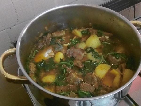 Rabada com batata e agrião uma delícia
