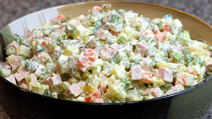 Salada de maionese tradicional muito saborosa