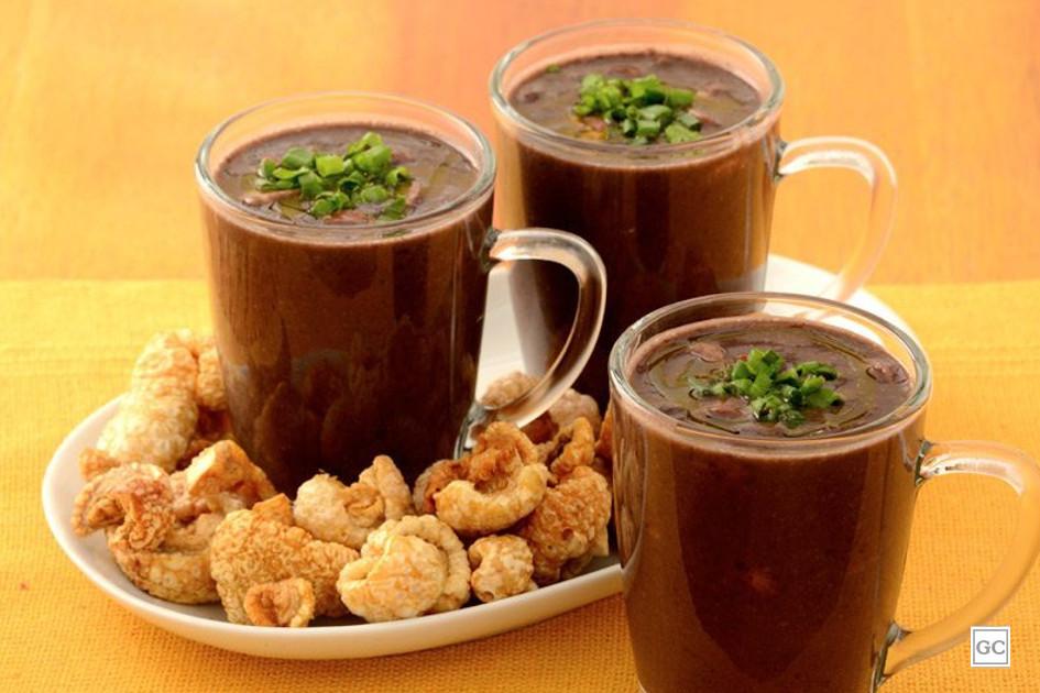 Receita de caldo de feijão preto saboroso