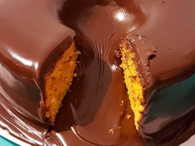 Receita de cobertura de chocolate para bolo