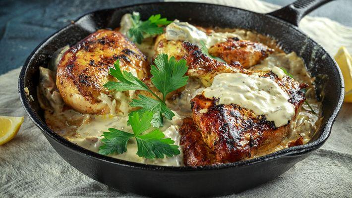 Receita de frango assado com creme de cebola e maionese