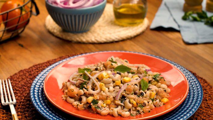 Receita de salada de feijão fradinho com atum