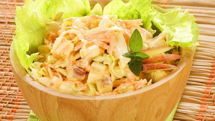 Receita de salada de maçã cenoura e repolho