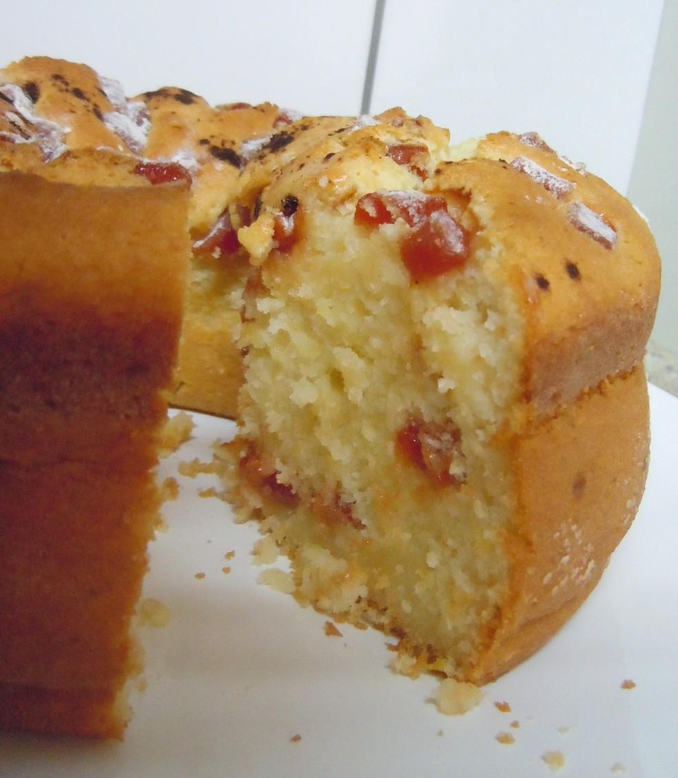 Receita de bolo de queijo com goiabada da roça