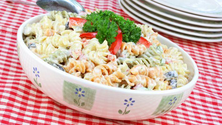 Receita de salada de macarrão com maionese,