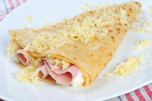 Receita de panqueca fácil de presunto e queijo