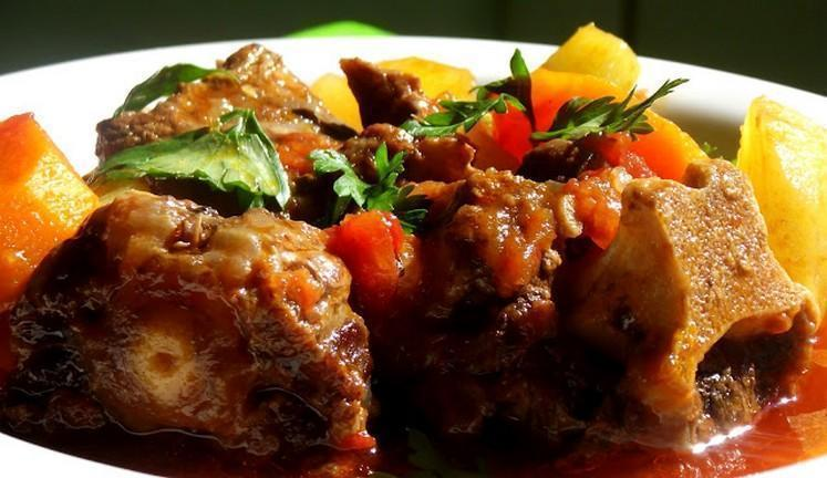 Receita de rabada fácil com salsinha e cebolinha