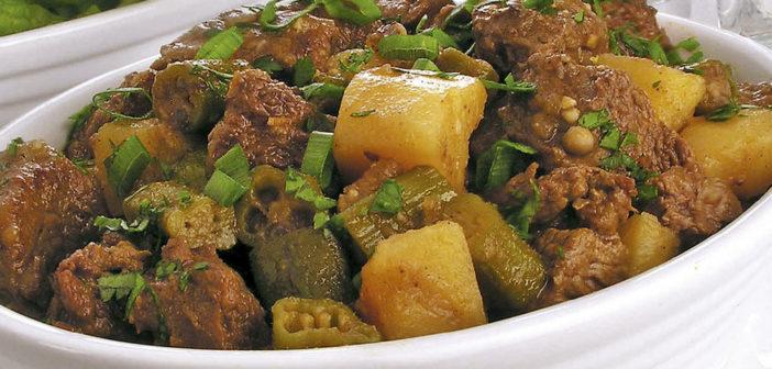 Carne moída com quiabo e batata