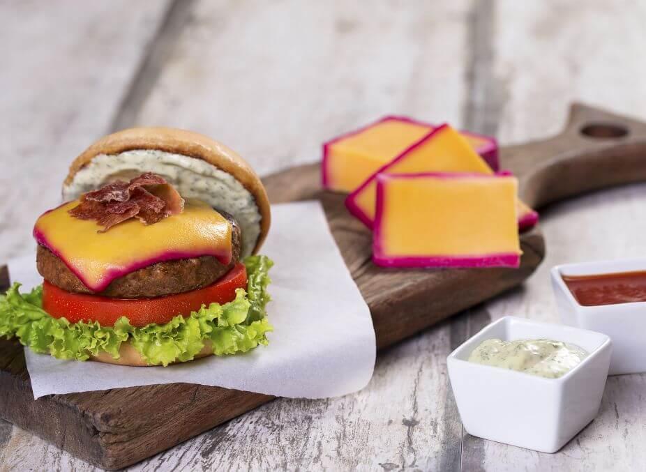 Como fazer hambúrguer caseiro com queijo do reino