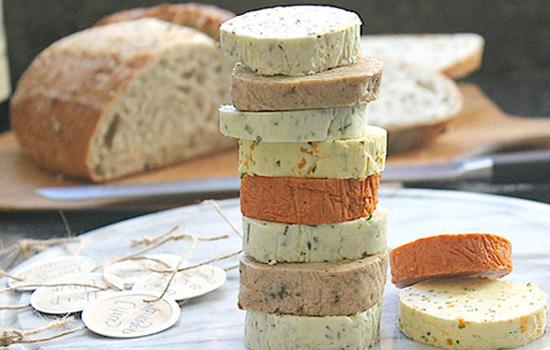 Como fazer manteiga caseira temperada