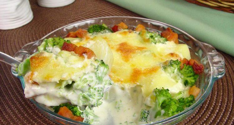 Gratinado de batata e brócolis
