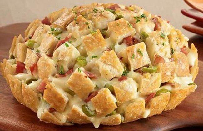 Pão italiano de alho com bacon