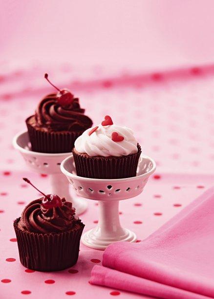 Receita de cupcake light  de merengue chocolate e ganache
