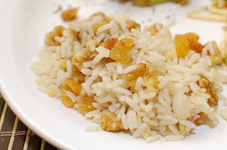 Receita de arroz com nozes simples