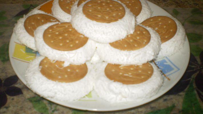 Biscoito recheado com maria mole fácil e prático