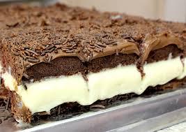 Bolo gelado de chocolate super cremoso e delicioso