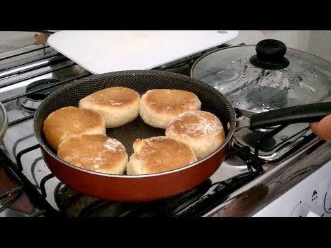 Pão de minuto de frigideira muito fácil e muito ráoido