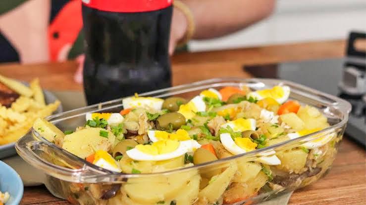 Salada de bacalhau essa receita fácil não pode faltar em sua mesa