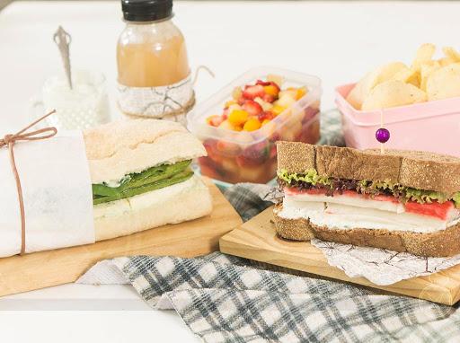 Sanduíche de kani-kama com pepino super saudável e delicioso