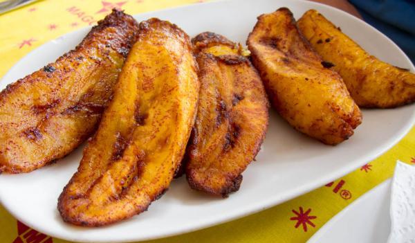 Banana da terra assada fácil e rápido