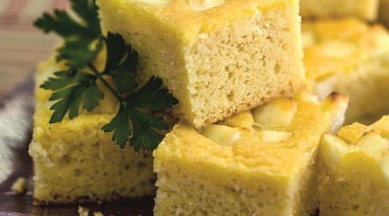 Bolo de milho salgado simples e delicioso