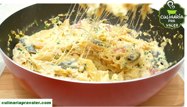Macarrão diferente no creme de milho e queijo mussarela