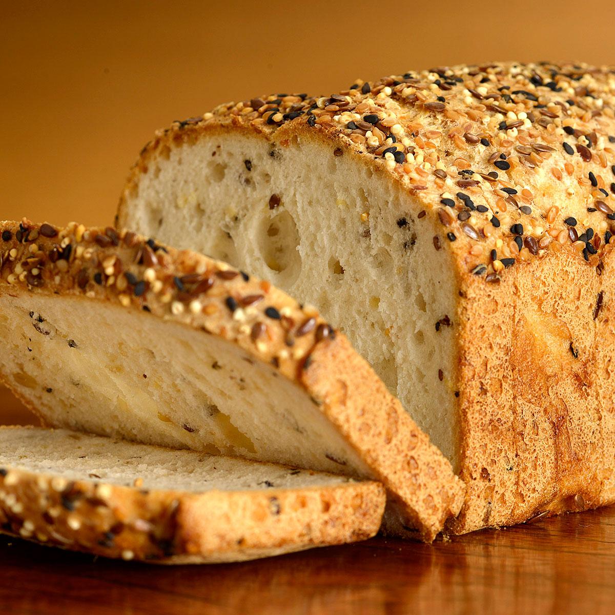 Pão multigrãos caseiro fofinho e muito fácil de fazer