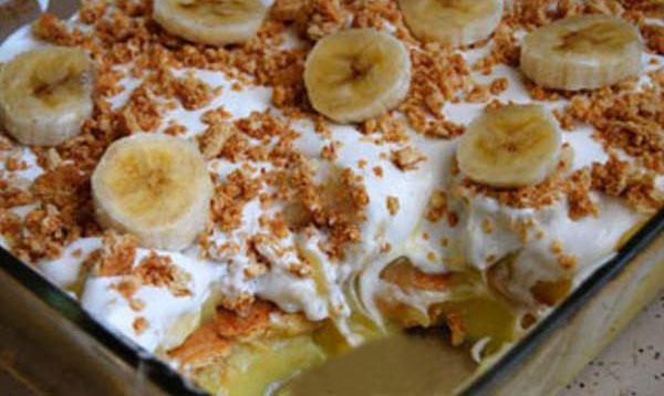 Pavê de banana caramelizada fica divina essa receita