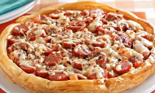 Pizza de salsicha fácil e deliciosa