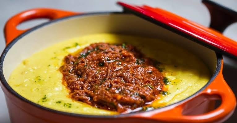 Polenta cremosa sugestão maravilhosa pra sua refeição