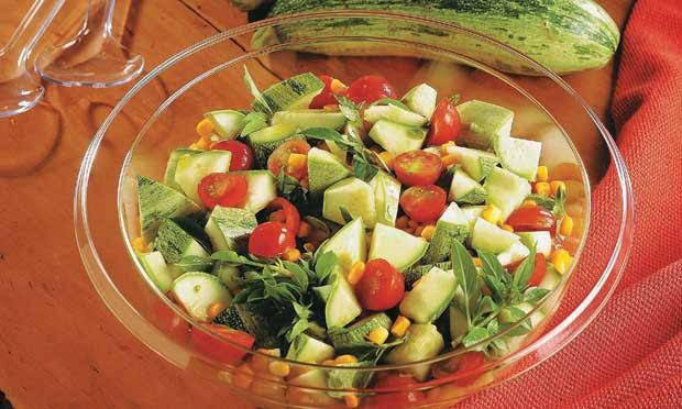 Salada de abobrinha fácil e muito gostoso