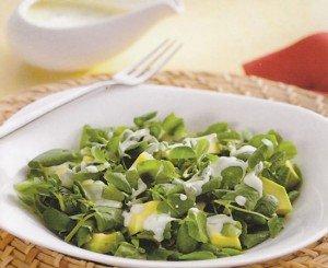 Salada de agrião a moda de casa