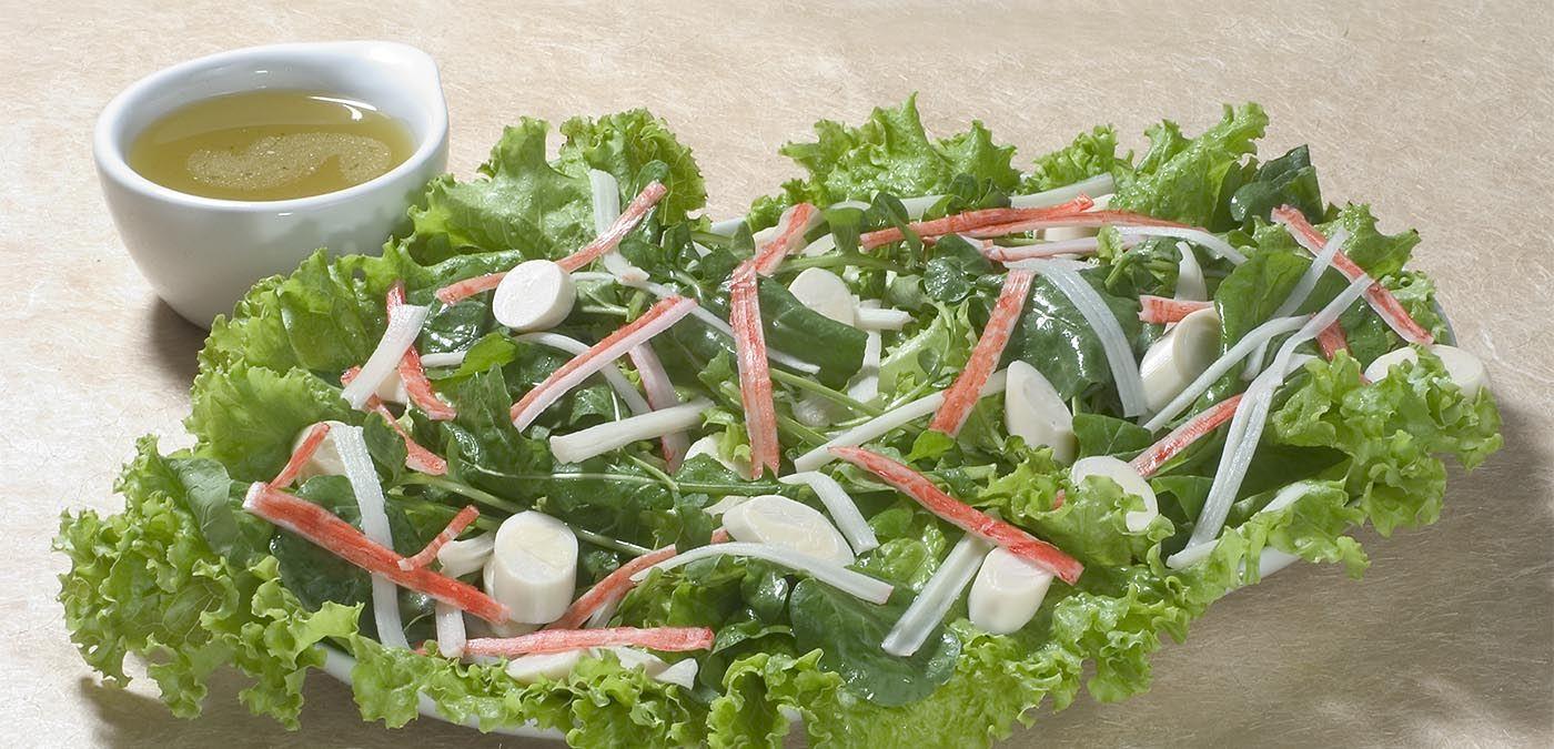 Salada de kani com molho de azeite e limão fácil