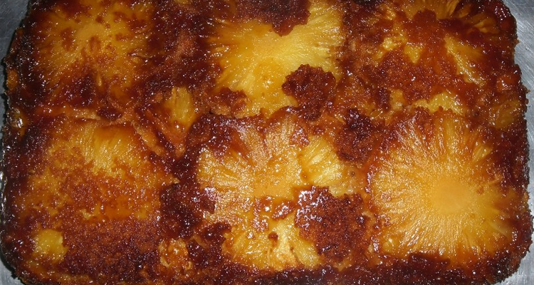 Abacaxi assado no forno com canela que ajuda a perder medidas
