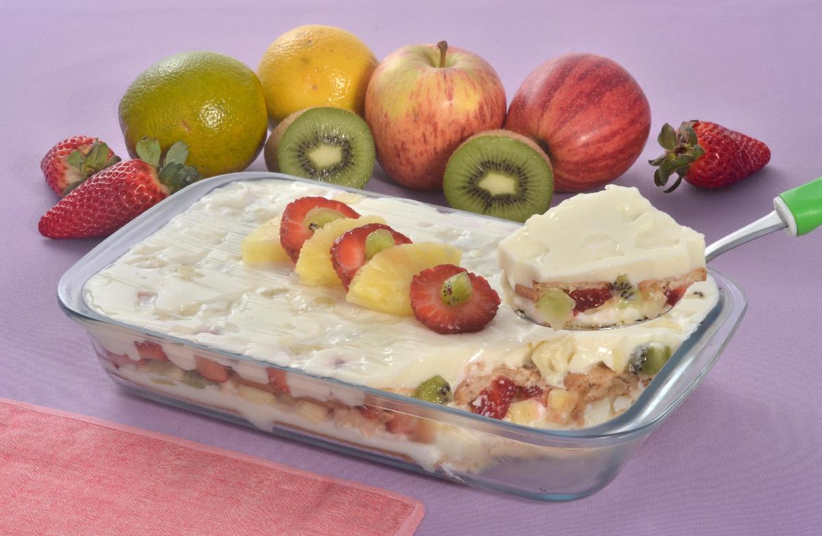 Receita de pavê de salada de frutas caseiro