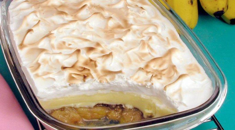 Torta de banana com suspiro uma explosão de sabor