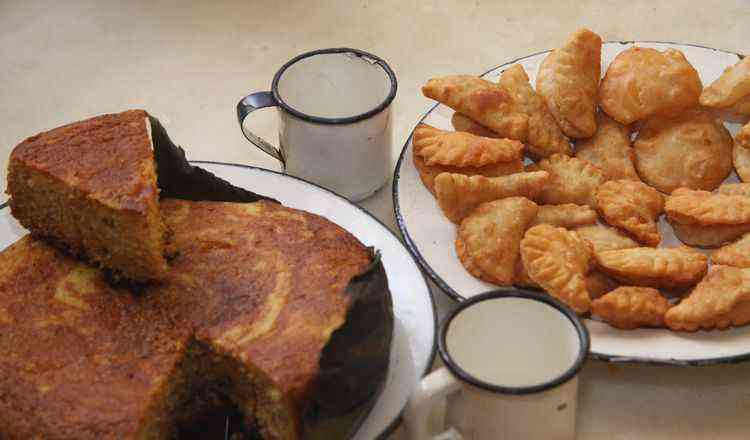 2 receitas deliciosas broa dágua caseiro e pastel de pobre