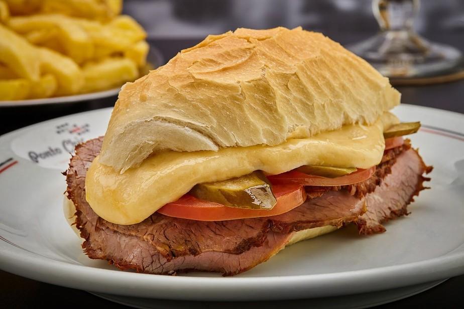 Como fazer sanduíche bauru fácil e rápido