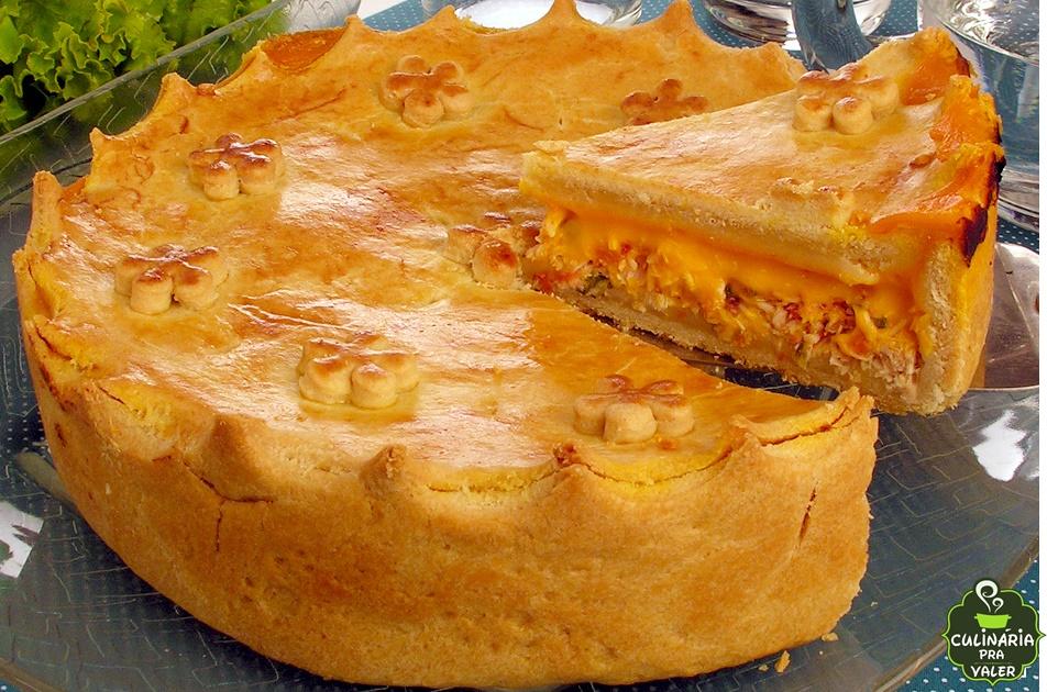 Como fazer torta de frango com cheddar caseira fácil e irresistível