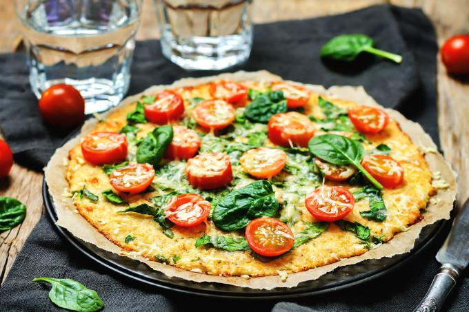 Pizza de couve-flor caseira deliciosa e muito fácil de fazer