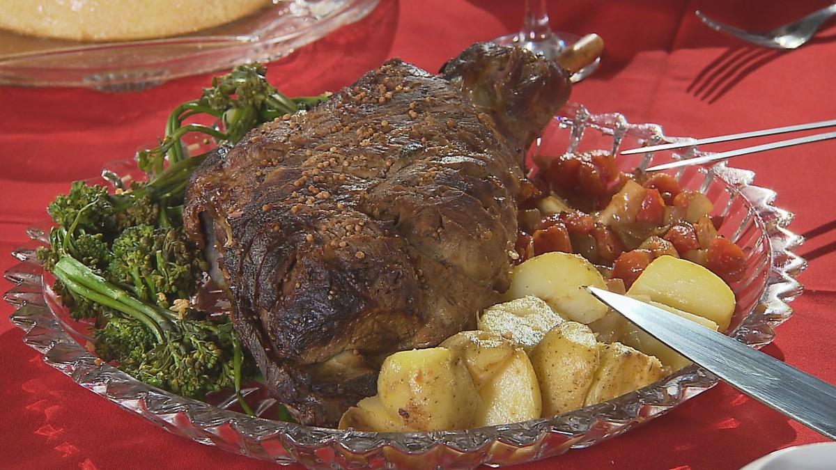 Receita de  paleta de cordeiro com batatas e brócolis