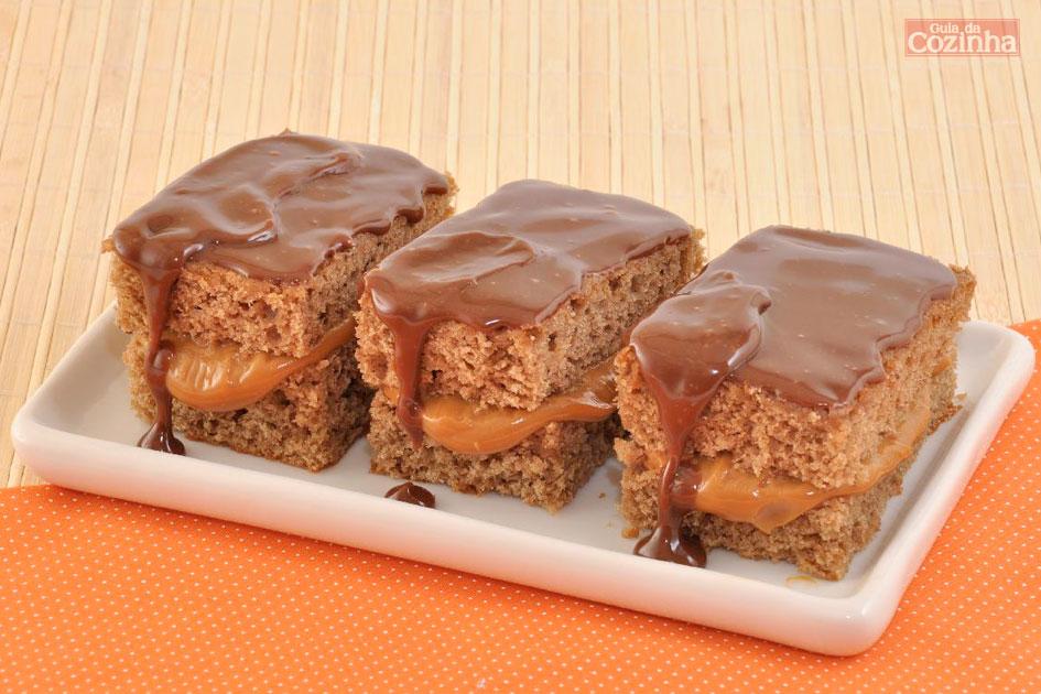 Receita de bolo pão de mel com doce de leite caseiro fácil