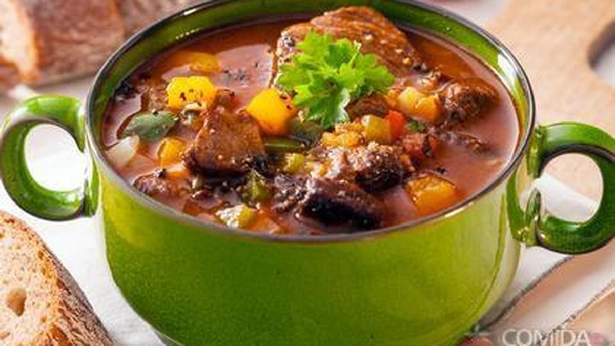 Receita de carne ensopada com legumes no microondas