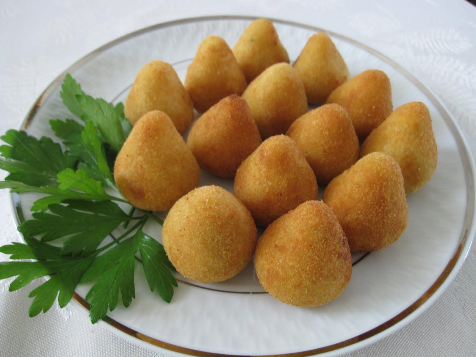 Receita de coxinha de mandioca assada caseira simplesmente deliciosa