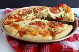 Receita de massa de pizza aerada fofinha e deliciosa