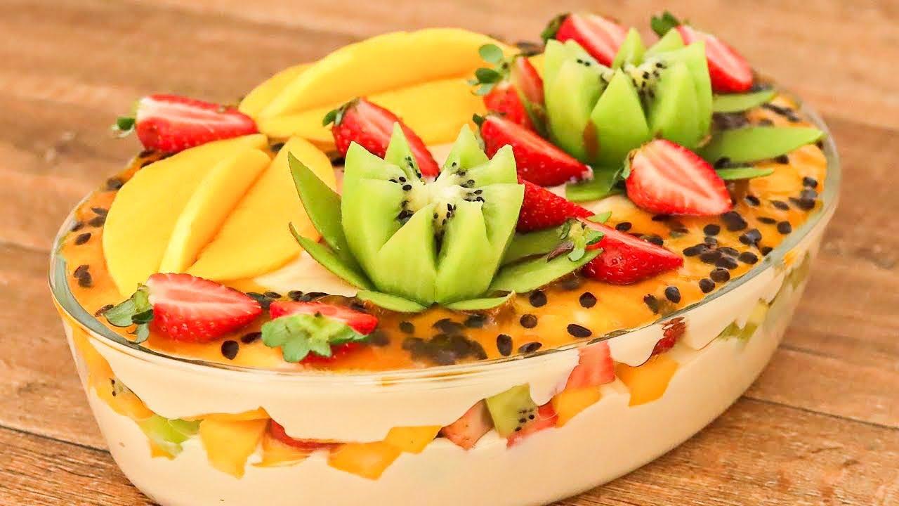 Receita de sobremesa gelada com frutas super deliciosa e refrescante