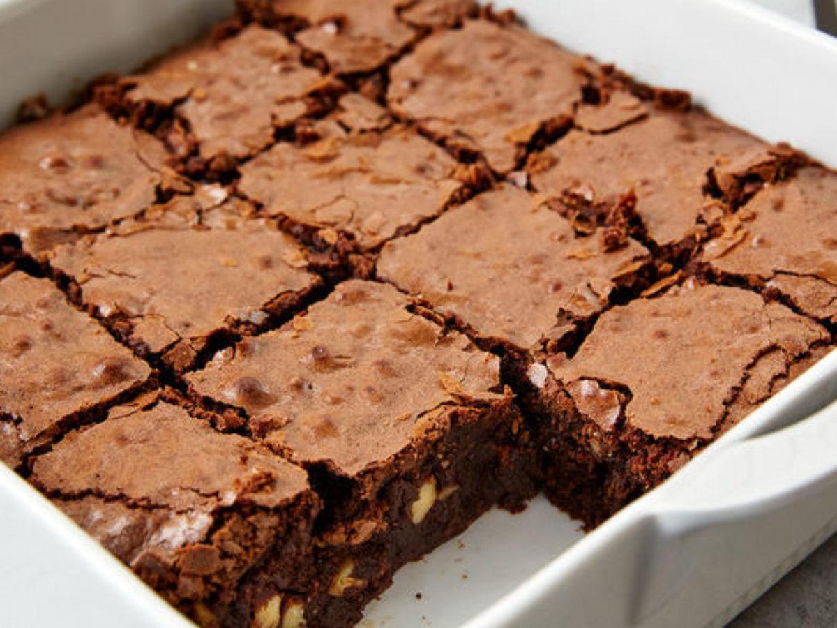 Receita low carb de brownie de chocolate totalmente sem açúcar e muito simples de fazer